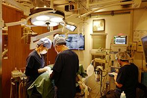 全身麻酔下歯科治療の様子